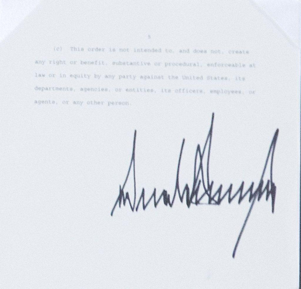 Analiza grafologică a semnăturii lui Trump