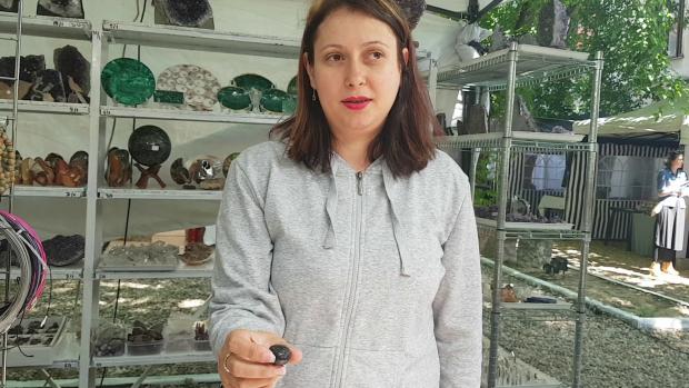 VIDEO/4.000 de euro pentru un cristal de 400 de kilograme. Cei puternici îl iau gratis…