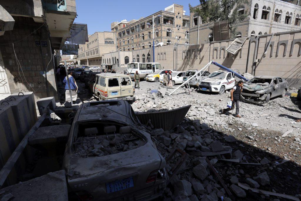Palatul prezidențial din Yemen a fost bombardat de avioanele saudite