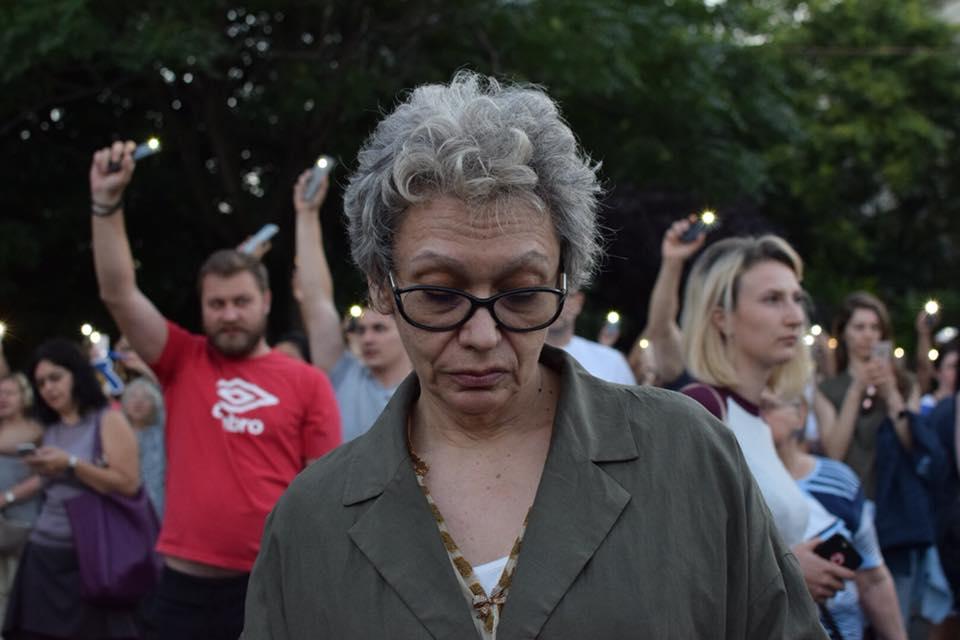 PODCAST/ Mihai Șora și Oana Pellea, în mijlocul protestatarilor din Piața Victoriei. Ascultă mesajele lor