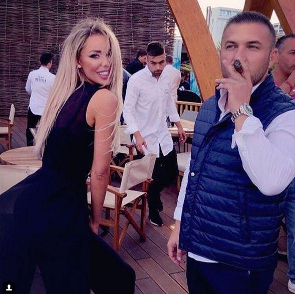 Bianca Drăgușanu, tratată ca o regină de noul iubit. Blonda s-a dat în spectacol la mare | VIDEO