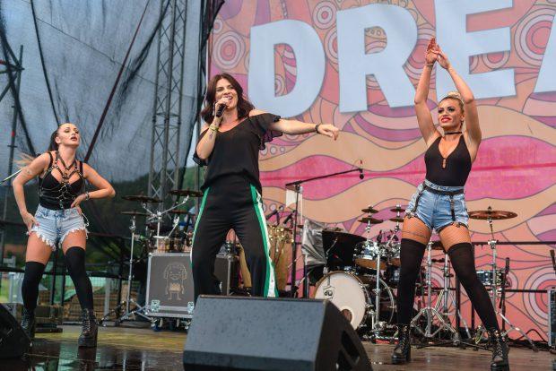 Smiley, Ellie White și  Irina Rimes au făcut spectacol pe scena de la Dream Family Festival