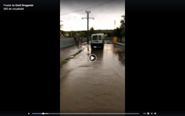 Gospodării inundate și circulație dificilă pe DN 25 în județul Galați, în urma unei ploi torenţiale
