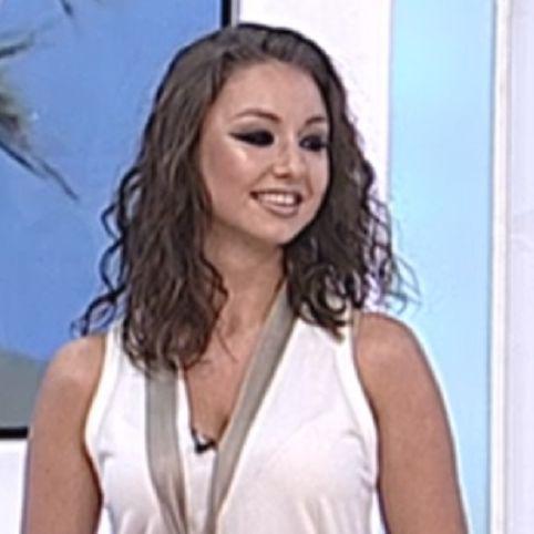 Fata cea mică a lui Corneliu Vadim Tudor, reporter la TV. A debutat în această dimineață