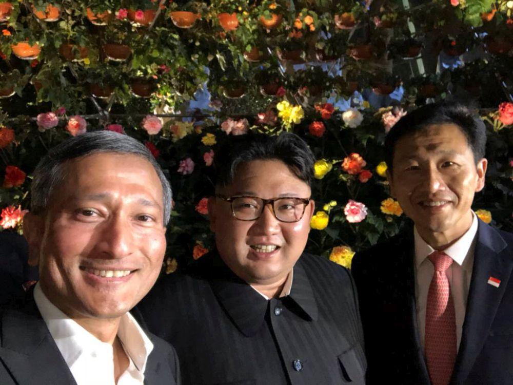 Kim Jong-un, selfie în Singapore, înainte de summitul cu Donald Trump