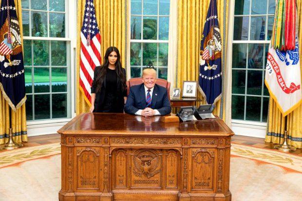 Kim Kardashian și Donald Trump, în Biroul Oval de la Casa Albă