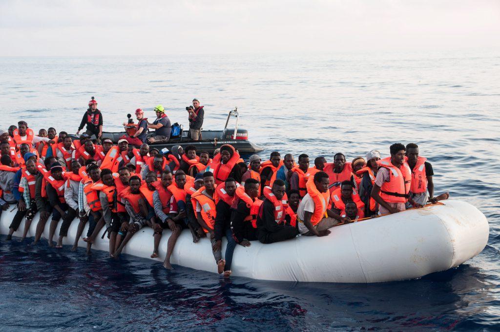 """Încă o navă cu imigranți interzisă în Italia. Salvini: ONG-urile pot """"uita"""" de varianta ca porturile italiene să preia migranți"""