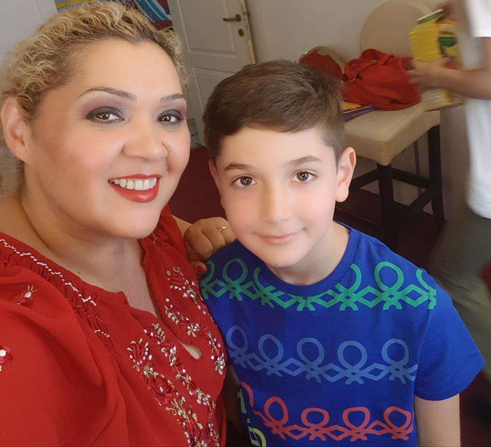 Băiatul Minodorei s-a îmbolnăvit de varicelă la școală. Vedeta e foc și pară