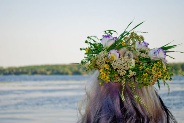 Sânziene - Drăgaica - Coronițe din flori pentru Sânziene