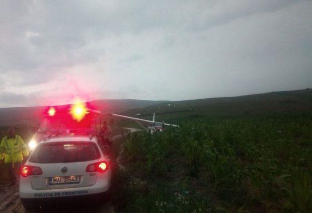 Un avion de mici dimensiuni a aterizat forţat în județul Iași. Doi bărbați au scăpat cu viață