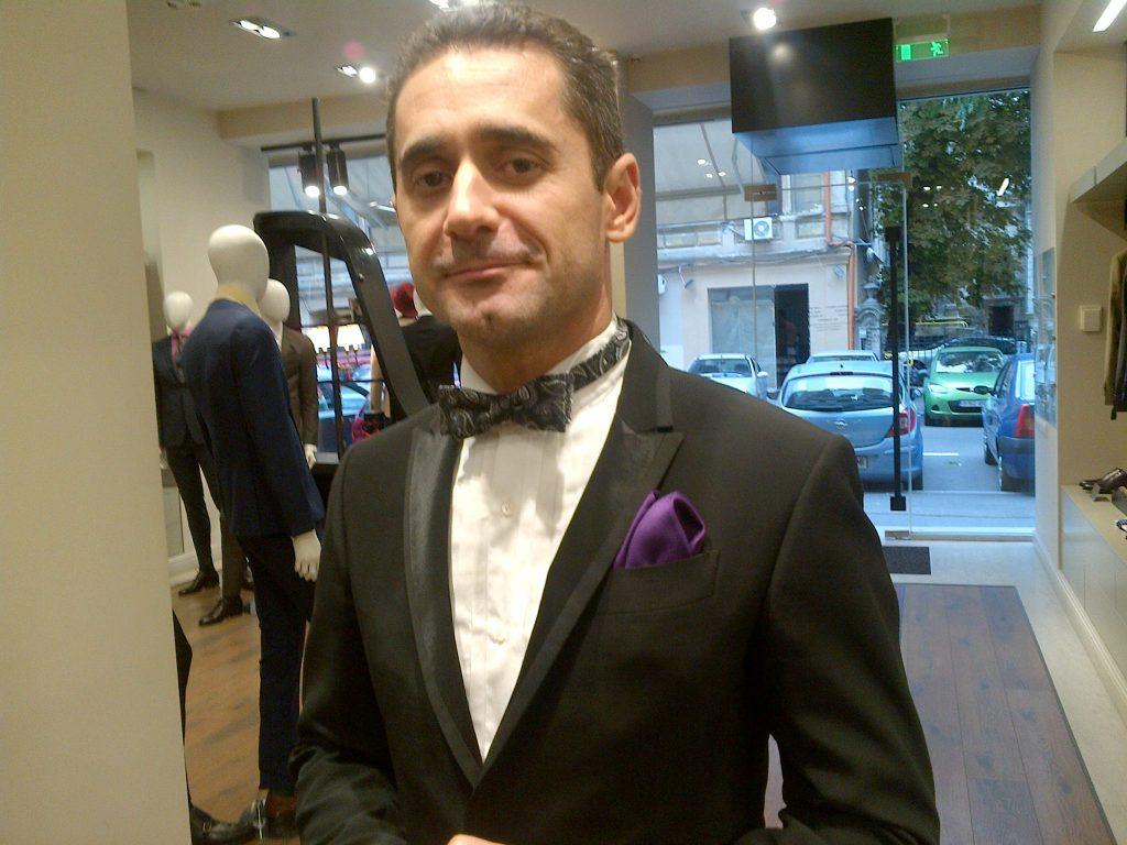 VIDEO EXCLUSIV/ Cât e el de actor, nu s-a putut stăpâni. Colegii l-au făcut să plângă pe Gabriel Fătu!