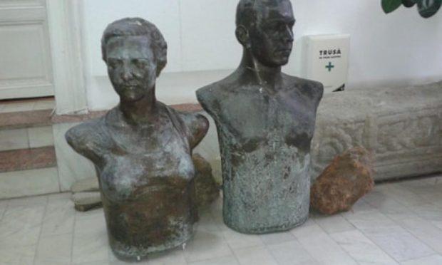 Busturile soților Tătărescu de la Târgu Jiu, date jos de pe socluri. Motivul, sculptorul a făcut pieptul Arethiei prea generos