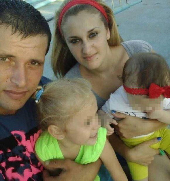 Cristina și iubitul său, alături de fetițele lor, pe când erau o familie fericită
