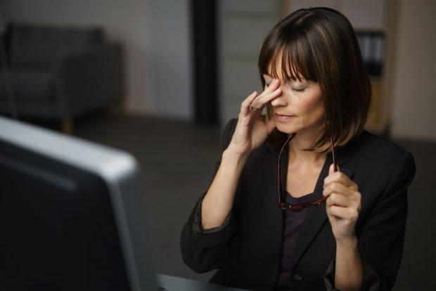 Avertisment OMS: Un număr de peste 55 de ore de lucru pe săptămână creşte riscul de deces