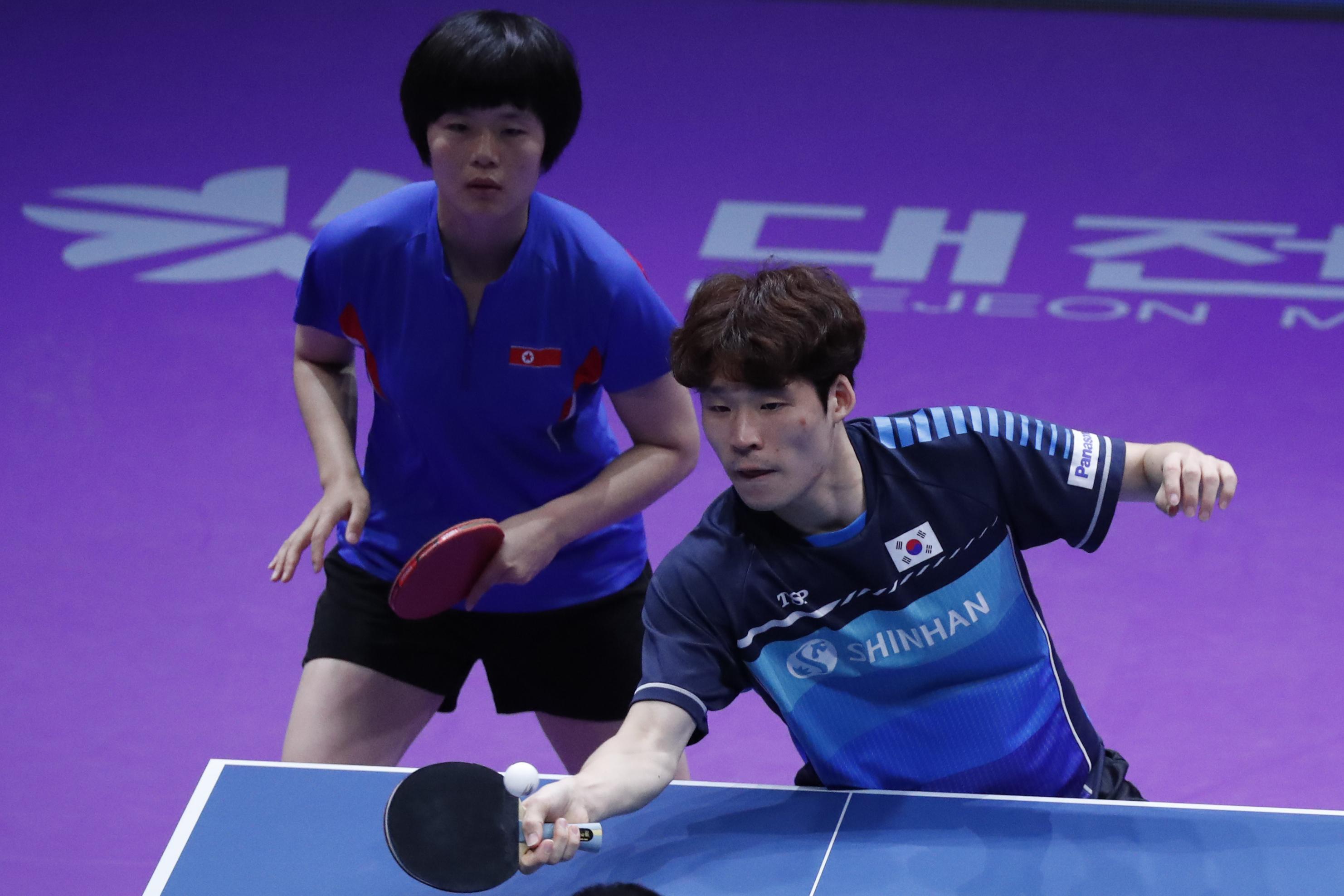 Succes istoric pentru Coreea de Nord şi Coreea de Sud. Medalie de aur la Openul Coreei de Sud de tenis de masă