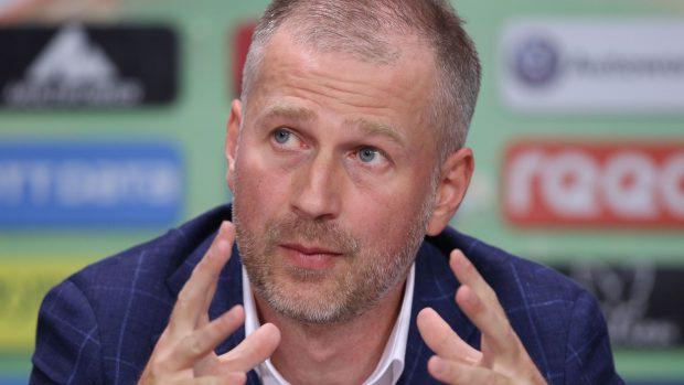 Focar de Covid la FCSB: antrenorul Edi Iordănescu, secunzii săi și doi jucători au coronavirus