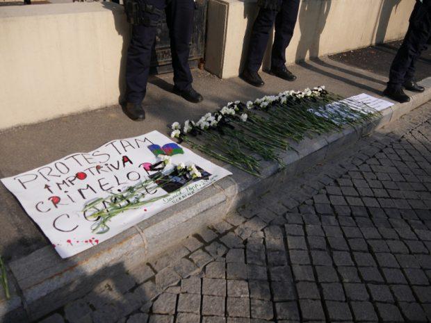 Protest în faţa ambasadelor Italiei şi Ucrainei faţă de rasismul anti-rom