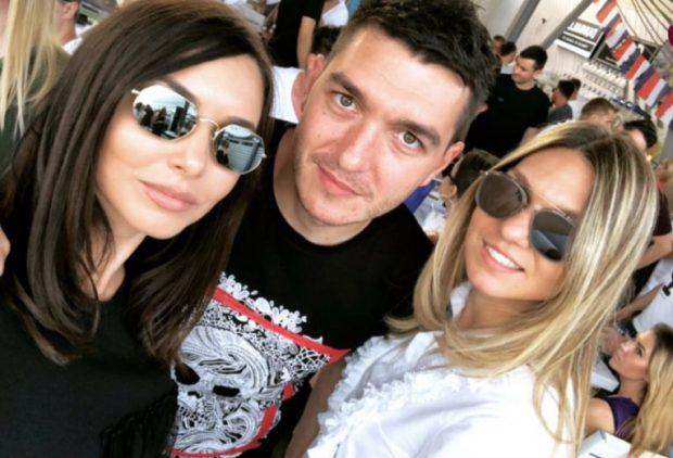Simona Halep alături de fratele ei, Nicolae, și cumnata ei, Luminița (foto sursă doartenis.ro)