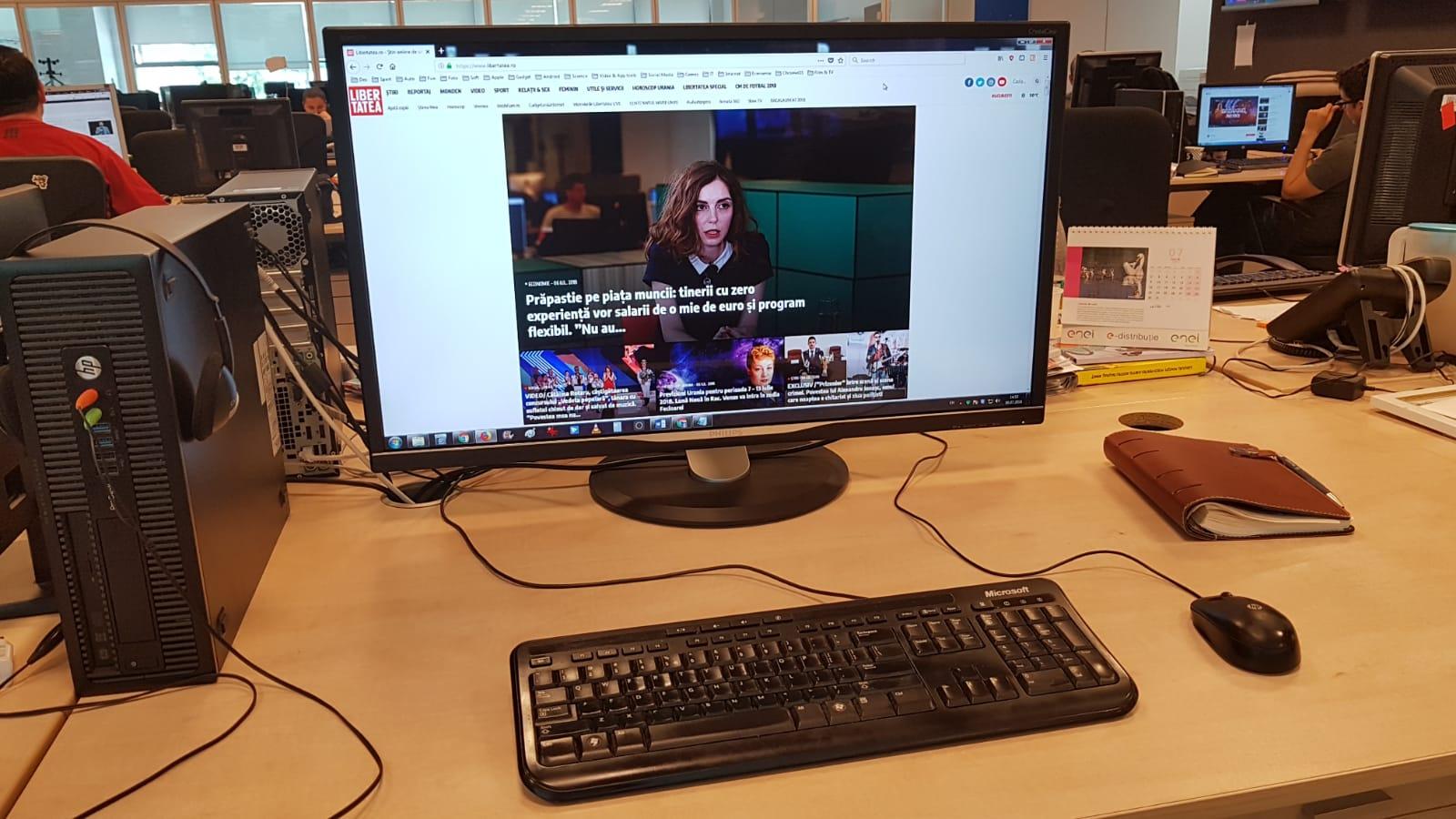 Philips Brilliance BDM3270, un monitor cât un televizor