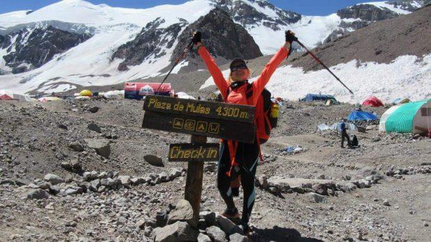 O româncă escaladează unul dintre cei mai periculoşi munţi ai lumii