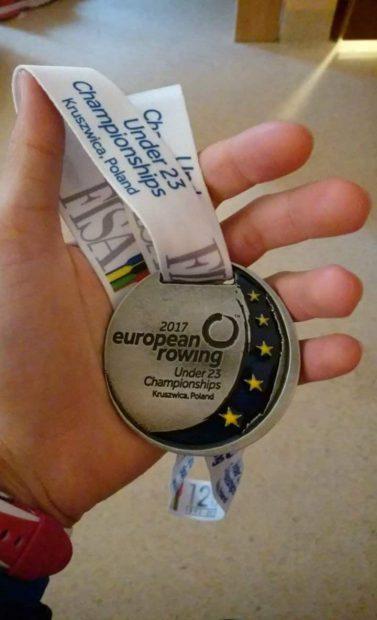"""Așa arată palmele canotorilor medaliați cu aur la Europene. """"Să punem punct văicărelilor"""""""