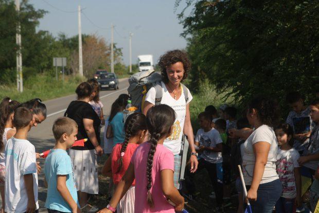 A mers 600 de km pe jos pentru educaţie