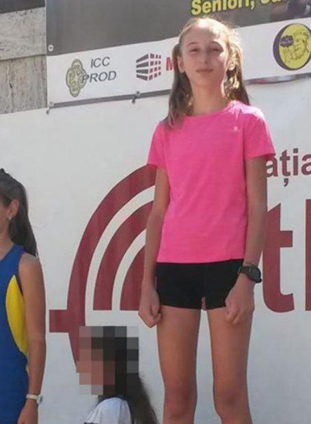 Imagini de la accidentul mortal, provocat de șeful Direcției Silvice Suceava. O fetiță de 12 ani a fost spulberată pe trecerea de pietoni. Imagine cu Albertina, fetița de 12 ani spulberată pe trecerea de pietoni