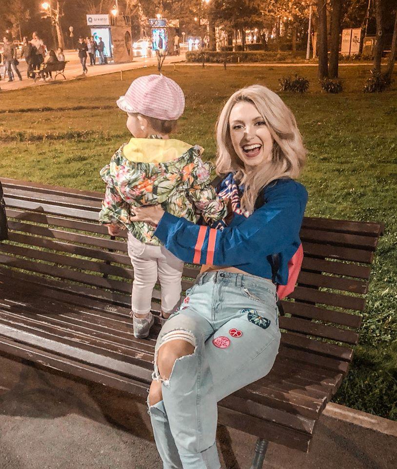 Andreea Bălan nu este pregătită să se despartă de fiica ei