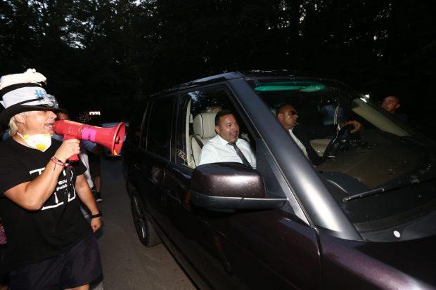 Nuntaşii lui Dragnea Jr. versus protestatarii anti-PSD