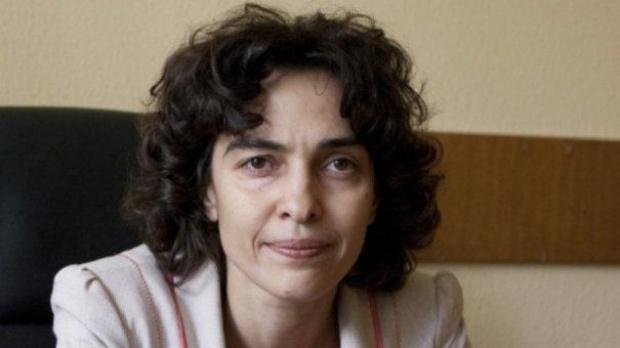 Cine este Paula Tănase, primul candidat pentru șefia DNA. Imagine cu Paula Tănase la birou