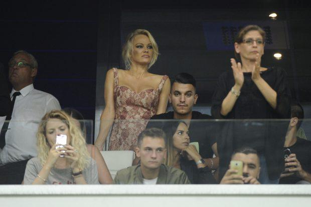 """Pamela Anderson s-a despărțit de campionul mondial Adil Rami? """"Am fost acolo să-l păzesc!"""""""