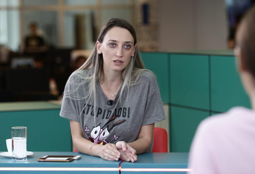 Ilona Brezoianu este dovada că se poate trăi decent și din actorie