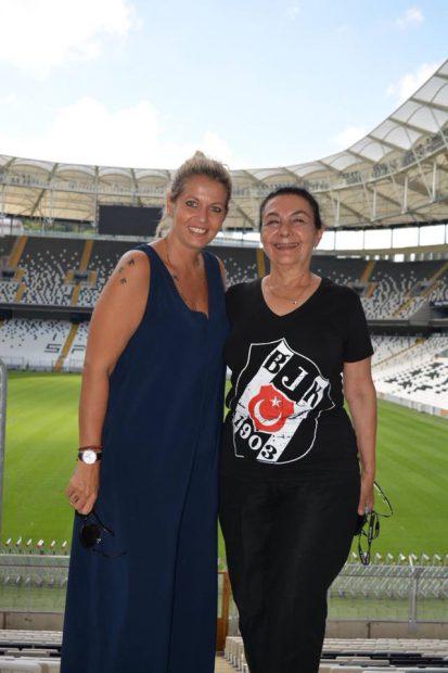 Lorena Balaci a renunțat la design pentru fotbal. Fiica lui Ilie Balaci aproape s-a mutat pe stadion!