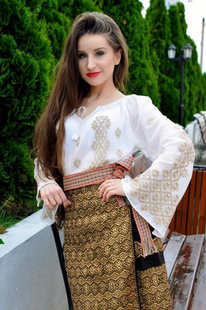 Sosia Mariei Dragomiroiu! Maria Olteanu are părul la fel de lung și-a început să câștige la fel de bine