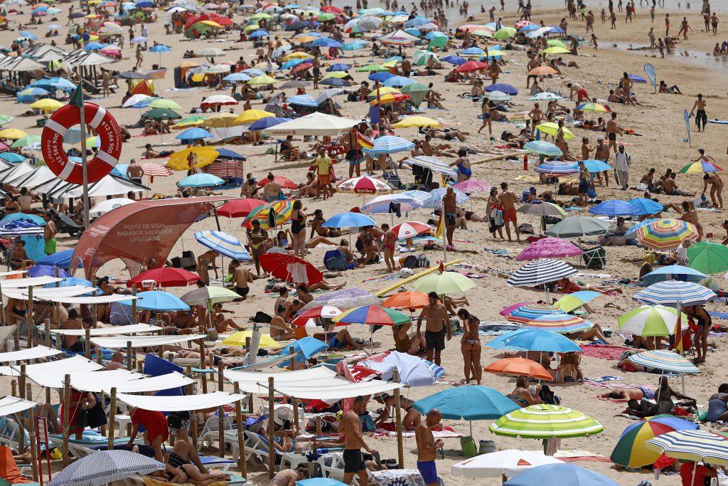 Europa fierbe din cauza caniculei. Lisabona a înregistrat cea mai ridicată temperatură din istorie