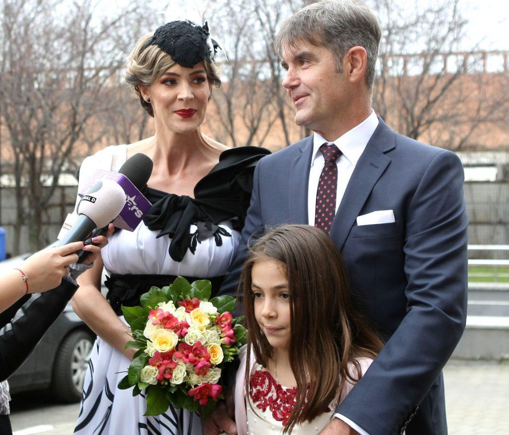 Roxana Ciuhulescu Face Nuntă și Botez în Aceeași Zi Ne Am Comandat