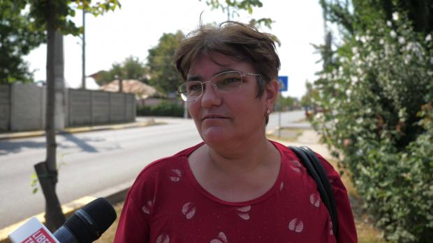 Liliana Ene, aflată în trecere pe strada 23 August, din Otopeni, spune că această denumire îi aduce aminte de perioada comnuismului
