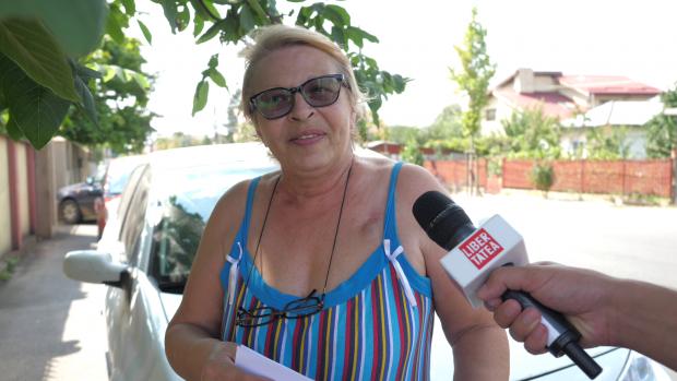 Eugenia Tudora, care locuieşte pe strada 23 August, din Otopeni, este de părere că oamenii erau mai veseli în perioada comunismului