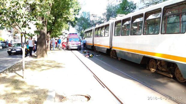 Un pieton a fost lovit de tramvai pe șoseaua Nicolae Titulescu