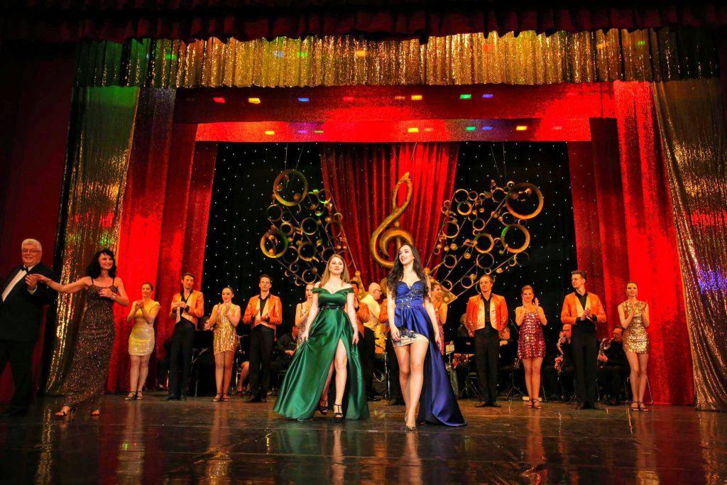 """30 de soliști, actori și dansatori de la """"Teatrul de revistă"""" se duc în Israel pe banii bucureștenilor! Primăria Capitalei le finanțează două spectacole"""