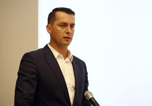 """Alexandru Burghiu, director RADET: """"Sunt 13,9 milioane de lei la factura către ELCEN a cărei scadență a fost depășită"""""""