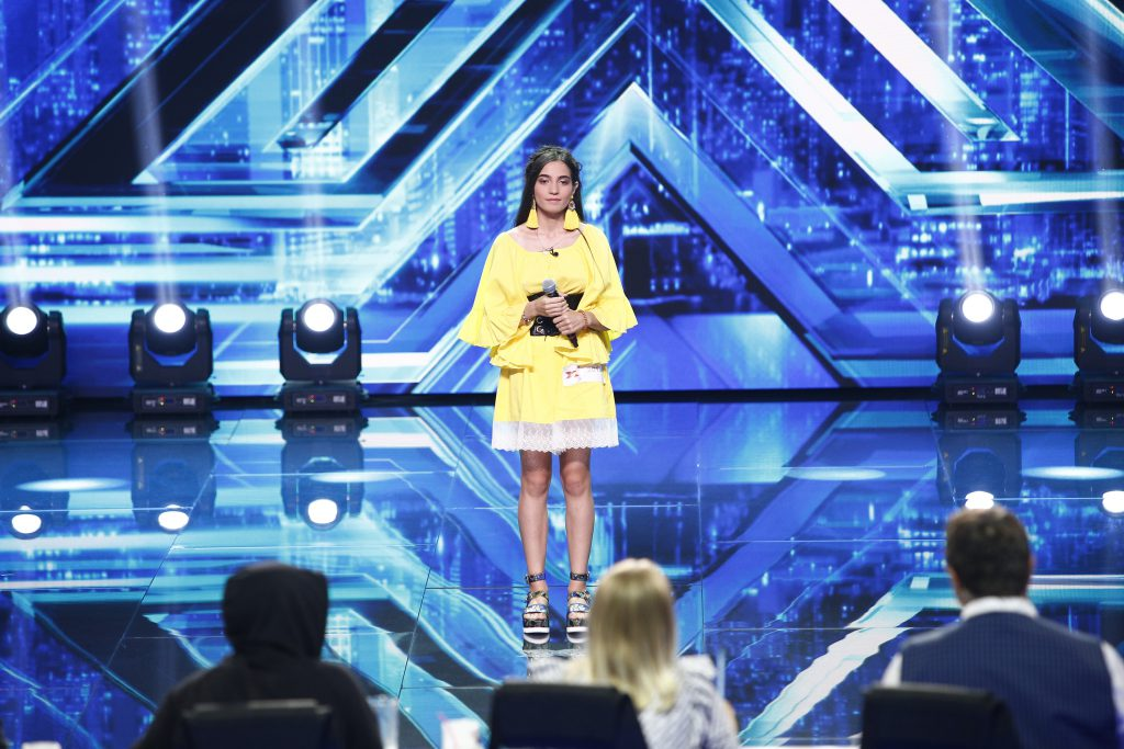 """Delia își înfruntă colegii la X Factor. """"Trebuie să îi mai dați o șansă, mi se pare nedrept!"""""""