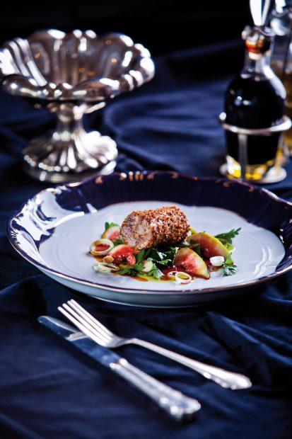Piciorușe de broască picante, caviar și palincă de piersici, în meniul restaurantului unde face nuntă Cristi Borcea!