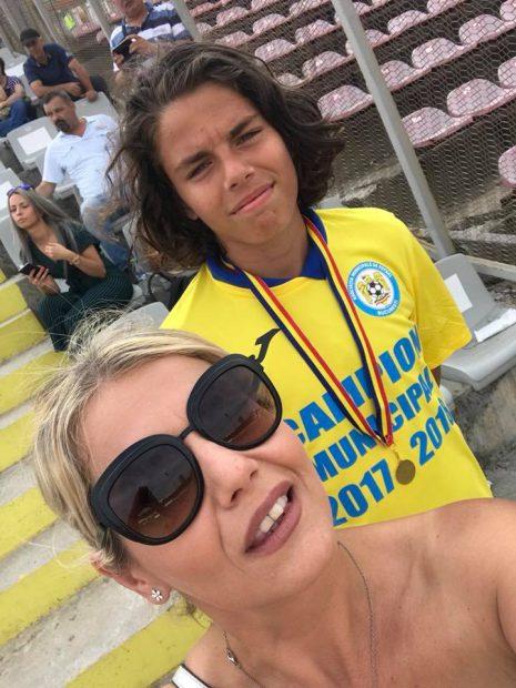 Lorena Balaci, dublă reușită ca mamă: are un băiat student la Teatru și unul în echipa națională de fotbal!