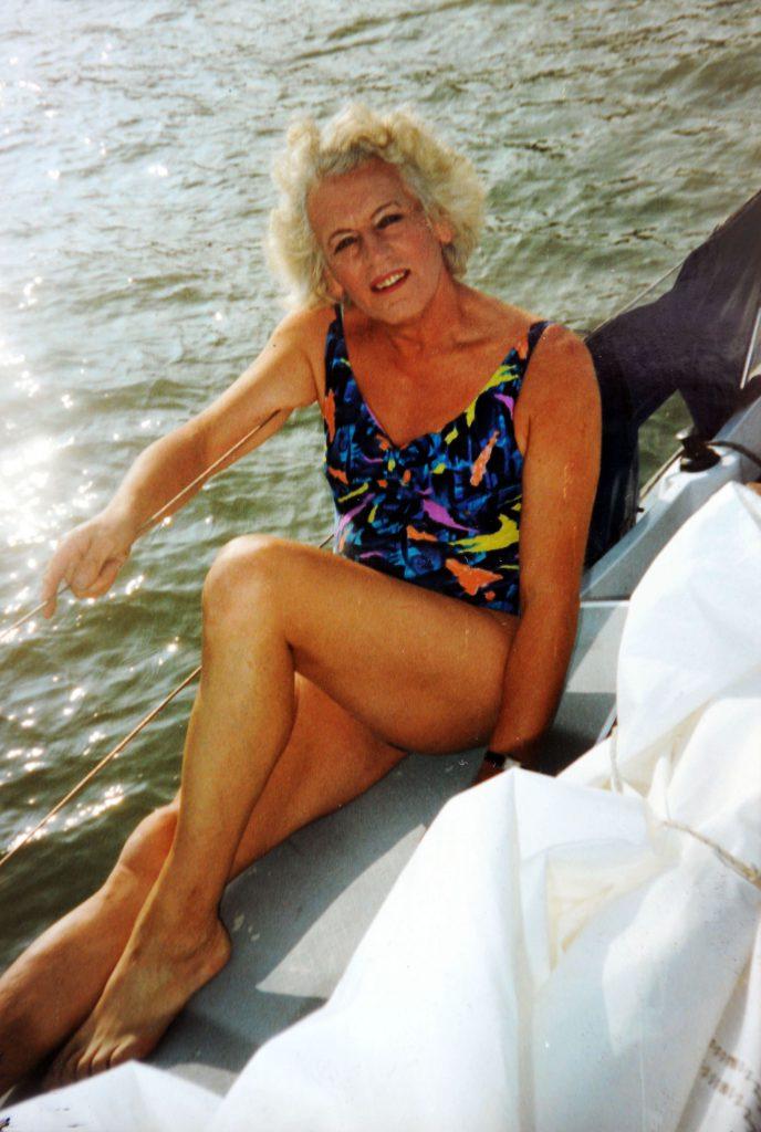 Schimbare de sex la 81 de ani. Un bărbat a devenit femeie după ce a împlinit 80 de ani