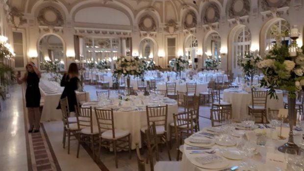 FOTO Cum este amenajat Cazinoul Sinaia pentru nunta Principelui Nicolae cu Alina Binder. Cazinoul Sinaia la nunta regală