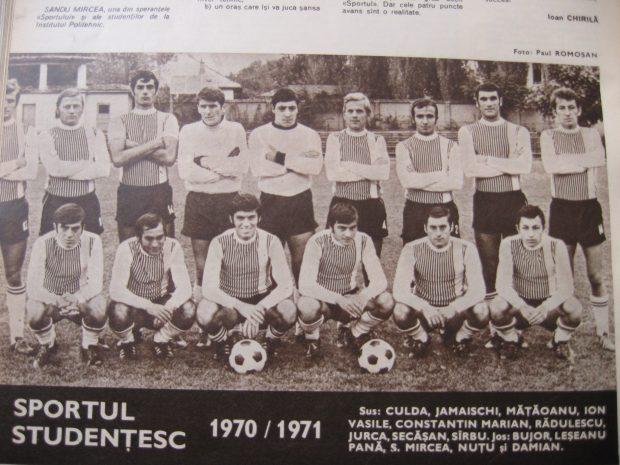 EXCLUSIV/ Mircea Rădulescu a trăit experința vieții la fotbal feminin. Vestiar cu fete goale
