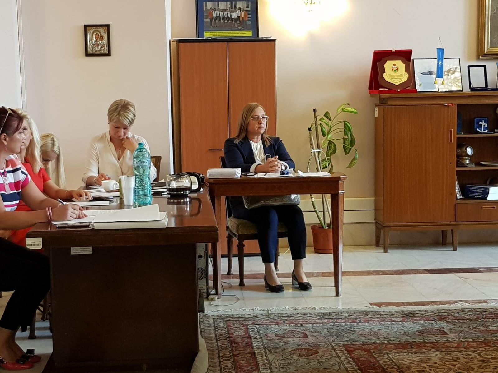 UPDATE / Audierile lui Carmen Dan și Speranța Cliseru, anulate. Ministrul de Interne și prefectul Capitalei urmau să dea explicații privind violențele din 10 august
