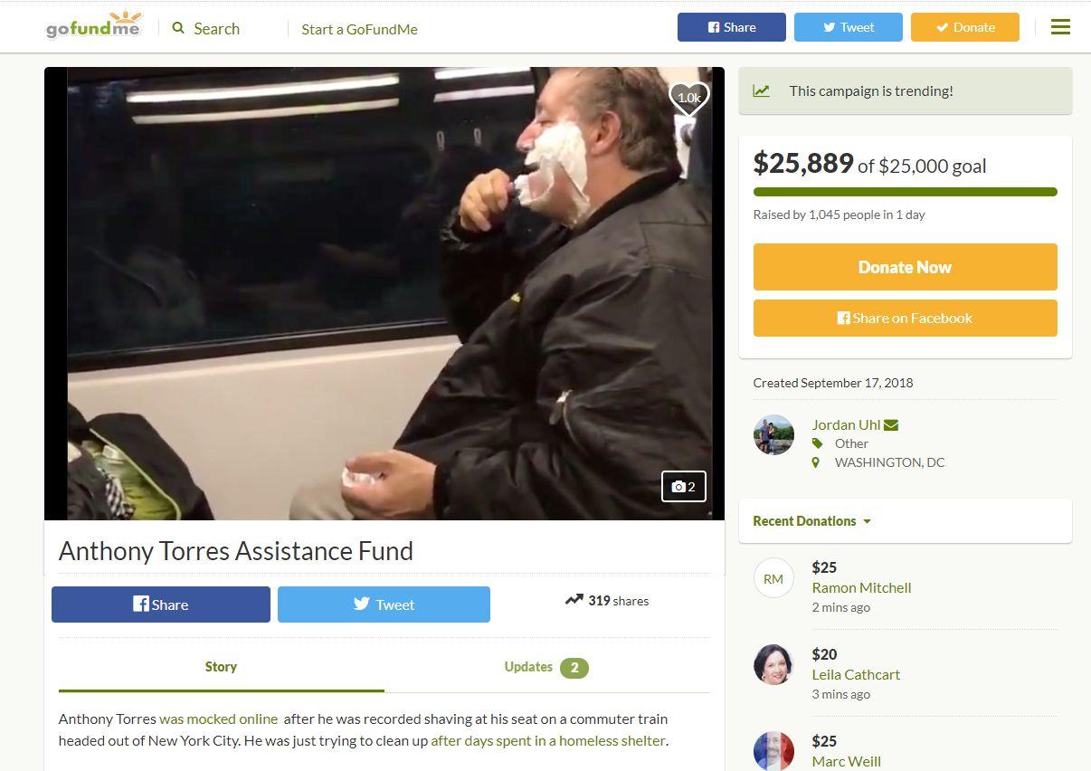 Un bărbat a fost batjocorit după ce a fost filmat bărbierindu-se într-un tren. Când i-au aflat povestea, oamenii au început să strângă bani pentru el