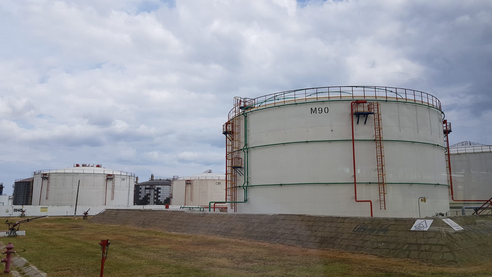 Depozite de carburanți la Petromidia